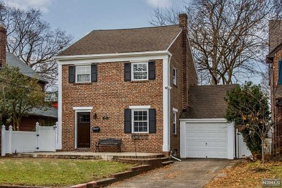 Clifton NJ Single Family Home For Sale: $449,900