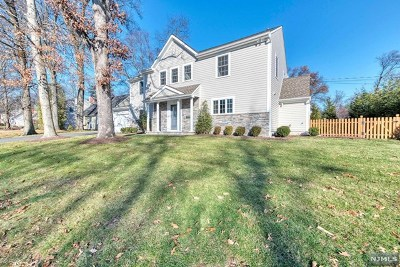 Wyckoff NJ Single Family Home For Sale: $699,500