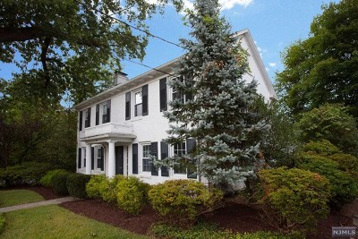 Tenafly Single Family Home For Sale: 37 Oak Street