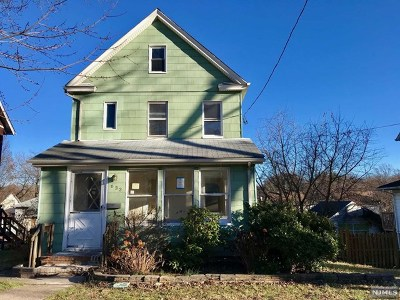Teaneck Single Family Home For Sale: 633 Linden Avenue