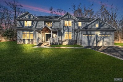 Closter Single Family Home For Sale: 11 Roden Way