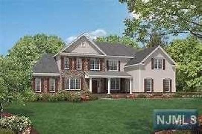 Mahwah Single Family Home For Sale: 39 Roxbury Road