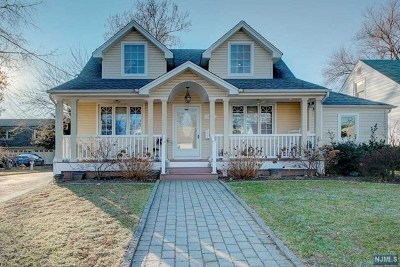 Fair Lawn Single Family Home For Sale: 15-04 Elmary Place