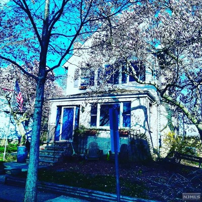Ridgefield Park Single Family Home For Sale: 13 Union Street