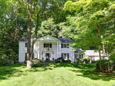 Franklin Lakes Single Family Home For Sale: 703 Cheyenne Drive