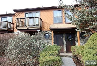 Wanaque Condo/Townhouse For Sale: 2h Brookside Heights