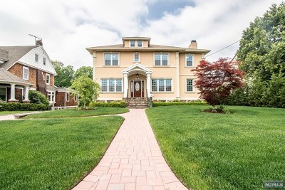 Hackensack Single Family Home For Sale: 403 Summit Avenue