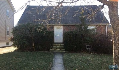 Bogota Single Family Home For Sale: 70 East Broad Street
