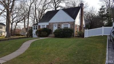 Cresskill Single Family Home For Sale: 104 Lexington Avenue