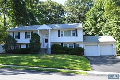 Hillsdale Single Family Home For Sale: 300 Piermont Avenue