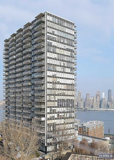 West New York Condo/Townhouse For Sale: 6050 Boulevard East #20e
