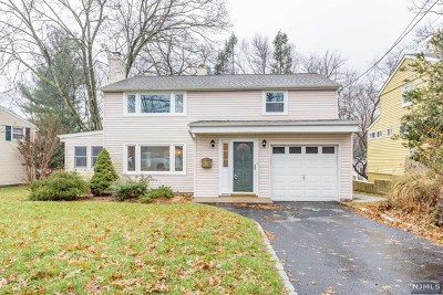Waldwick Single Family Home For Sale: 30 West Saddle River Road