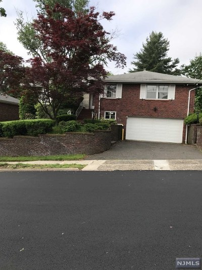Fort Lee Single Family Home For Sale: 228 Virginia Avenue