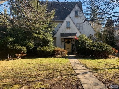 Ridgewood Single Family Home For Sale: 181 West End Avenue