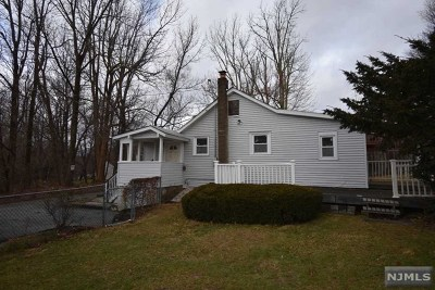 West Milford Single Family Home For Sale: 8 Iselin Road