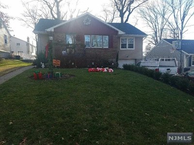 Hasbrouck Heights Single Family Home For Sale: 10 Washington Place