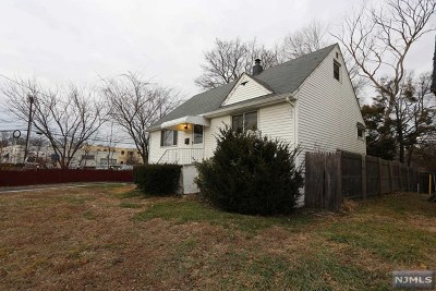 Maywood Single Family Home For Sale: 187 West Central Avenue