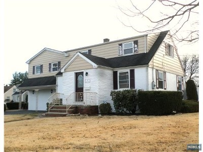 Saddle Brook Single Family Home For Sale: 70 Weller Terrace