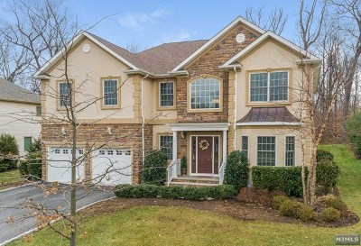 Essex County Single Family Home For Sale: 15 Wadams Court