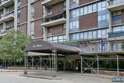 Fort Lee Condo/Townhouse For Sale: 2 Horizon Road #1006