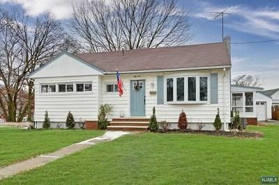 Pompton Lakes Single Family Home For Sale: 54 Pequannock Avenue