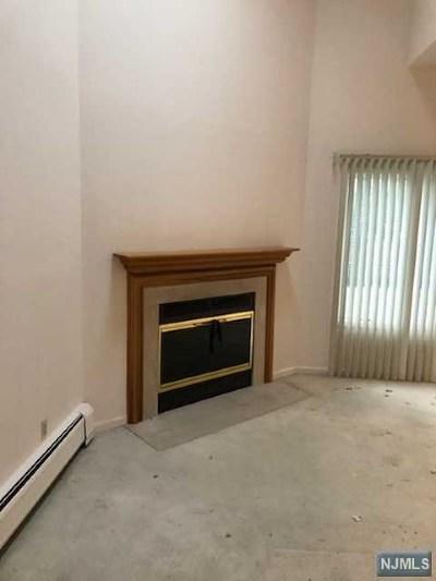 Cresskill Condo/Townhouse For Sale: 386 Madison Avenue