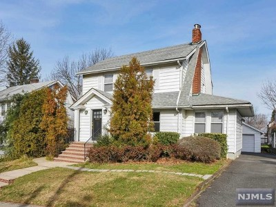 Teaneck Single Family Home For Sale: 287 Cherry Lane