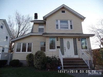 Teaneck Single Family Home For Sale: 268 Queens Court