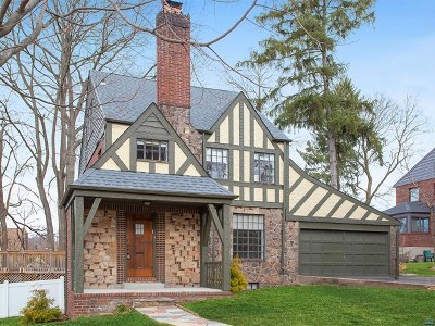 Teaneck Single Family Home For Sale: 607 Standish Road