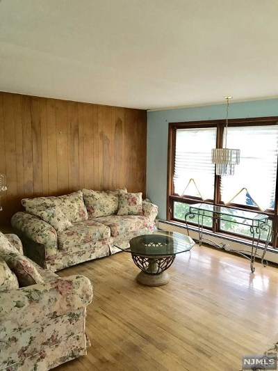 Wanaque Single Family Home For Sale: 156 Orchard Street