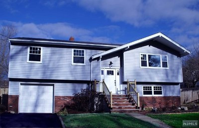 Wanaque Single Family Home For Sale: 11 Cannonball Road