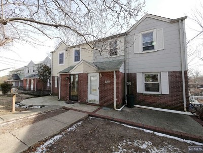 Teaneck Single Family Home For Sale: 1421 Nelden Road