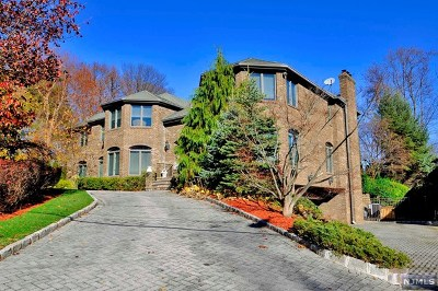Englewood Cliffs Single Family Home For Sale: 189 Chestnut Street