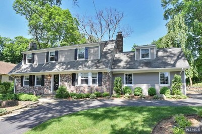 Ridgewood Single Family Home For Sale: 454 Summit Street
