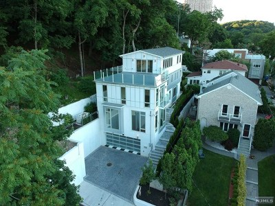 Edgewater Single Family Home For Sale: 30 Palisade Terrace