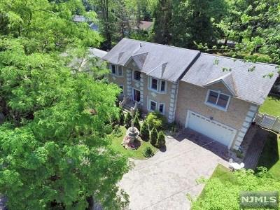 Demarest Single Family Home For Sale: 95 Knickerbocker Road