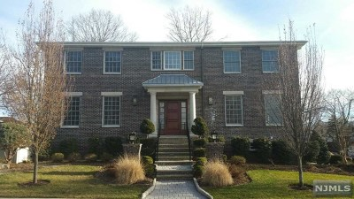 Englewood Cliffs Single Family Home For Sale: 31 New Street
