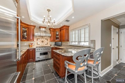 Essex County Single Family Home For Sale: 6 Spalding Drive