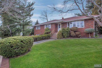 Totowa Single Family Home For Sale: 4 Peterson Road