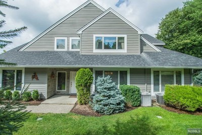 Wyckoff Condo/Townhouse For Sale: 222 Barnstable Drive
