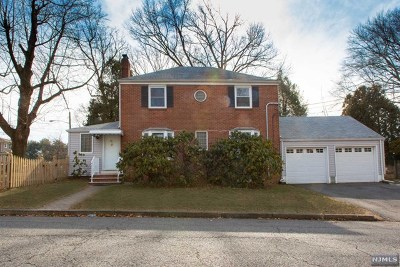 Tenafly Single Family Home For Sale: 26 Pleasant Avenue