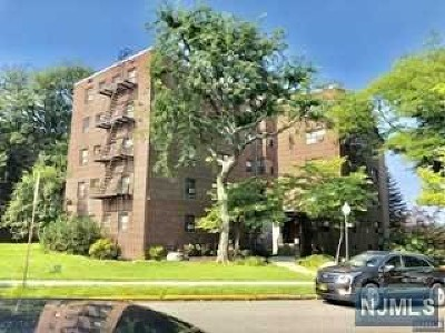 Fort Lee Condo/Townhouse For Sale: 500 Linwood Drive #5e