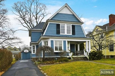 Ridgewood Single Family Home For Sale: 491 Gordon Road