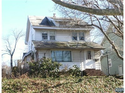 Teaneck Single Family Home For Sale: 543 Palisade Avenue
