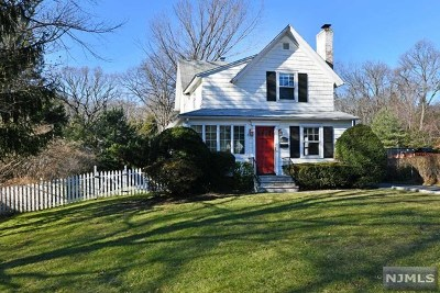 Ridgewood Single Family Home For Sale: 380 North Monroe Street