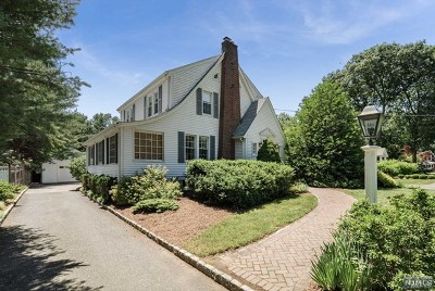 Wyckoff Single Family Home For Sale: 339 Wyckoff Avenue