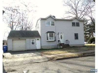 Englewood Single Family Home For Sale: 276 Thompson Avenue