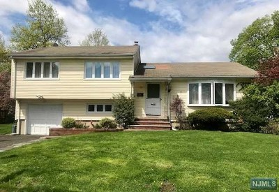 Fair Lawn Single Family Home For Sale: 38 Berwyn Place