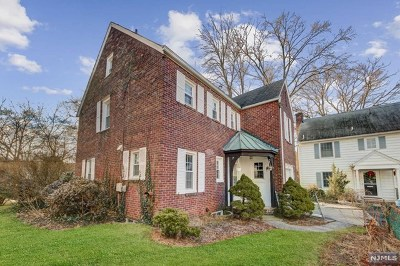 Fair Lawn Single Family Home For Sale: 18 Bolton Place