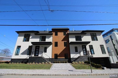 Edgewater Condo/Townhouse For Sale: 765 Undercliff Avenue #B